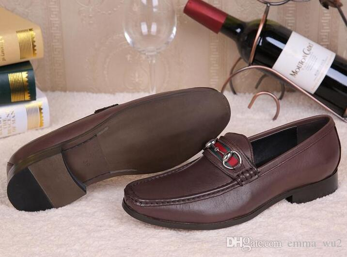 Zapatos de vestir de los hombres del cuero genuino del estilo italiano Zapatos de los zapatos de Oxford para los hombres de negocios Zapatos de la boda Mocasines de la manera superior de la moda Hebilla de la manera