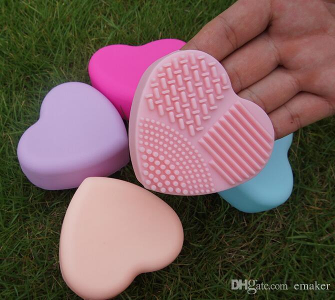 Moda pennello Uovo di pulizia a forma di cuore Trucco Spazzola di lavaggio Pad Guanto in silicone Scrubber Fondotinta cosmetico Strumenti puliti