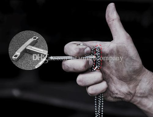 Titanio TC4 Collana pendente a croce tattica con estremità in tungsteno Emmergency Hammer / Difesa personale