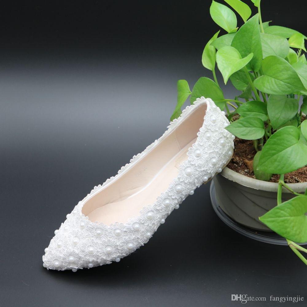 sports shoes 94956 0a972 Weiße Spitze Perlen Frauen Hochzeit Schuhe hohe Qualität flache Schuhe mit  Bändern Damen Party / Kleid Schuhe wies Toes Größe EU34-41