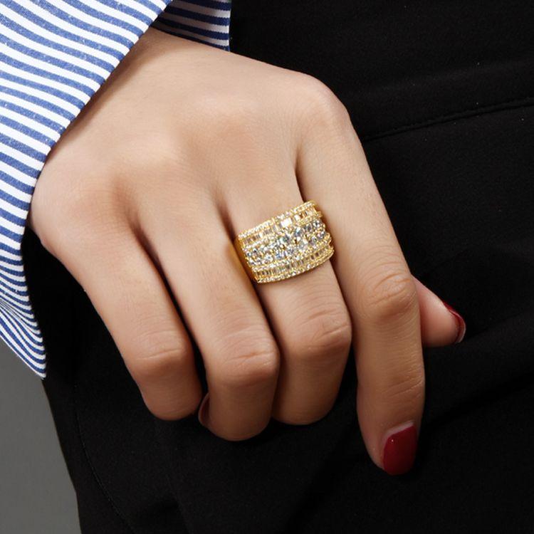 Deczign Unique Design anneau brillant brillant avec cristal de zirconium clair luxe Or / Or blanc couleur large femmes bagues bijoux SJ23433