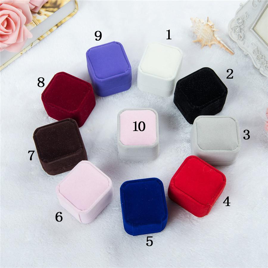 Boîtes de cadeaux de bijoux de mode Emballages 10 couleurs Square Shake Shase Engagement de mariage Couple Anneaux Classic Luxury Show Boîte 45 * 50 * 40mm
