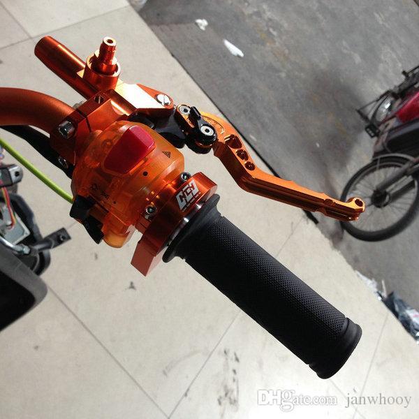 Envío gratis de alta calidad 7/8 '' Manillar de la motocicleta manillar Puños 22 MM Moto Racing Grips scooter modificado apretones
