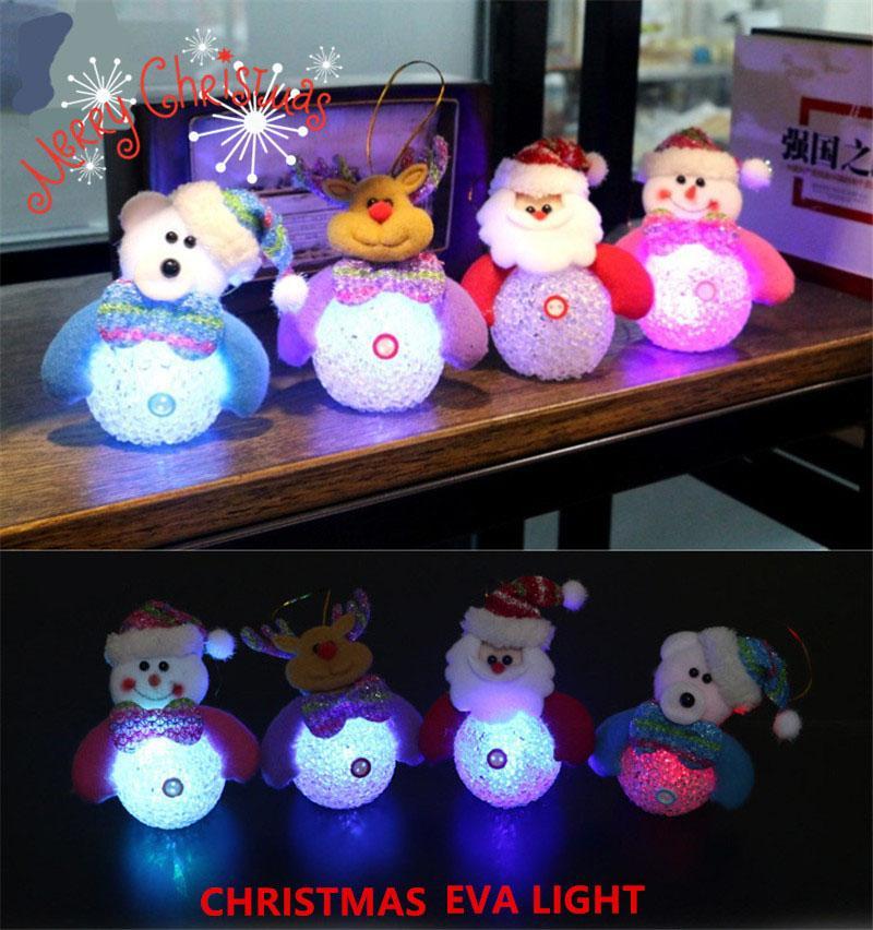12pcs / lot Weihnachtsmann Schneemann Bär Ren Puppe Weihnachtsbaum Ornamente Hängende Dekoration mit LED-Blitz