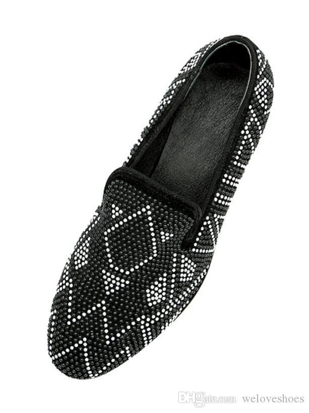 2017 neue Ankunft Mode Perlen Stud Herren Kleid Schuhe Wildleder Lederschuhe Stickerei Loafers Herren Hochzeit Schuhe niedrigen Ferse Loafers