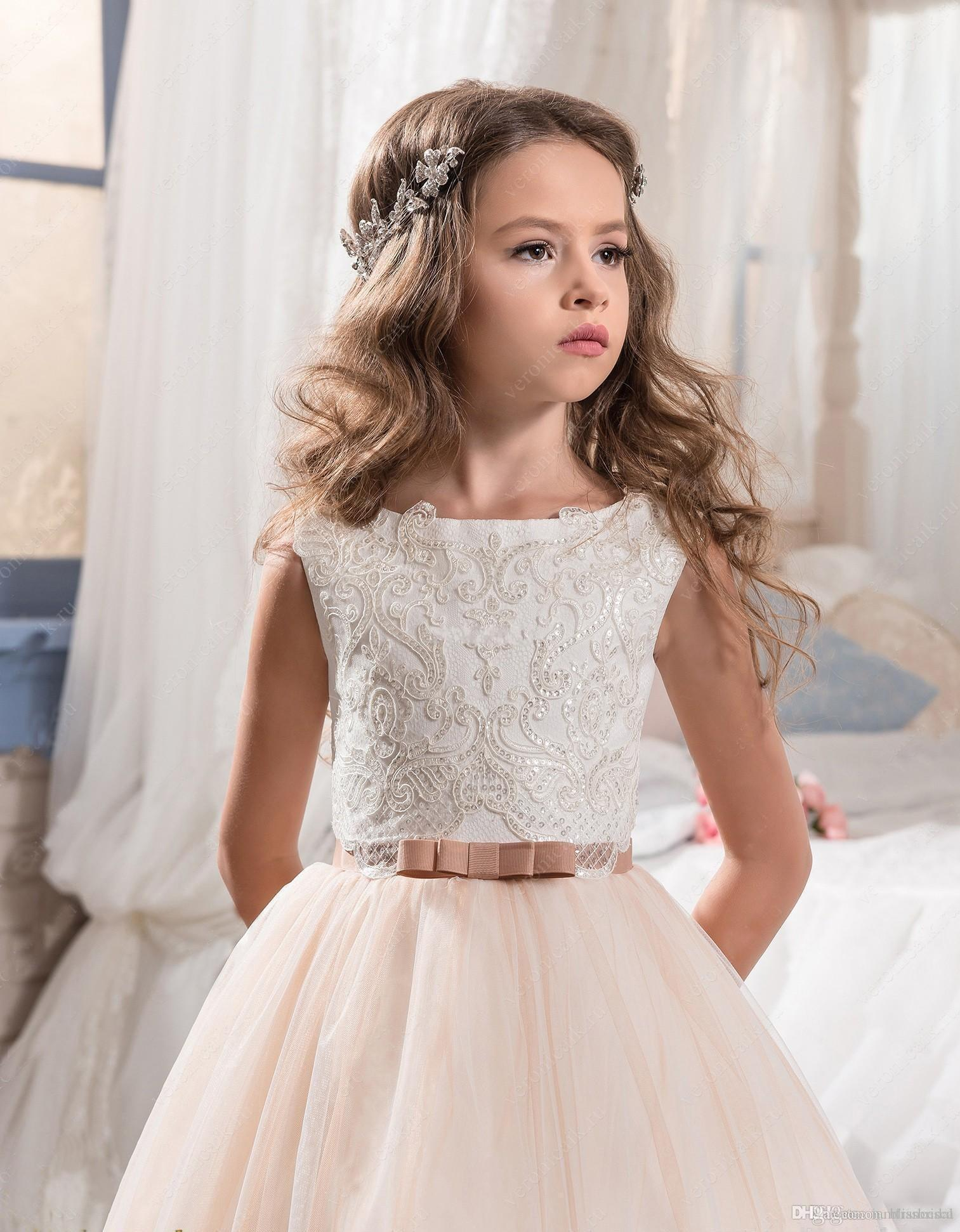 2017 Vintage Flower Girl Dresses For Weddings Blush Pink Custom Made Princess Tutu Sequined Appliqued Lace Bow Kids First Communion Gowns