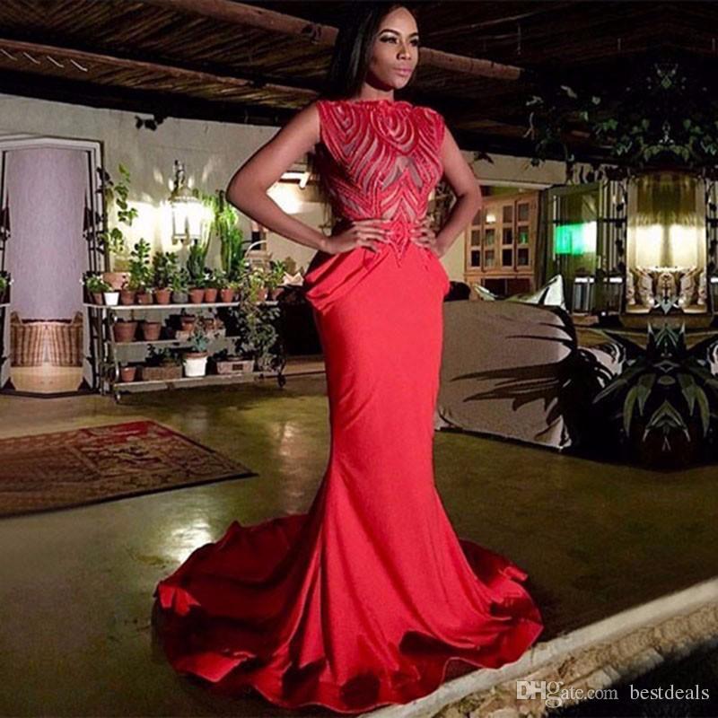 Abito da donna rosso Prom Abito 2017 Charme Vedere attraverso Cap Sleeve Mermaid lungo Sheer Boat Neck Stretch Satin abiti da ballo africani