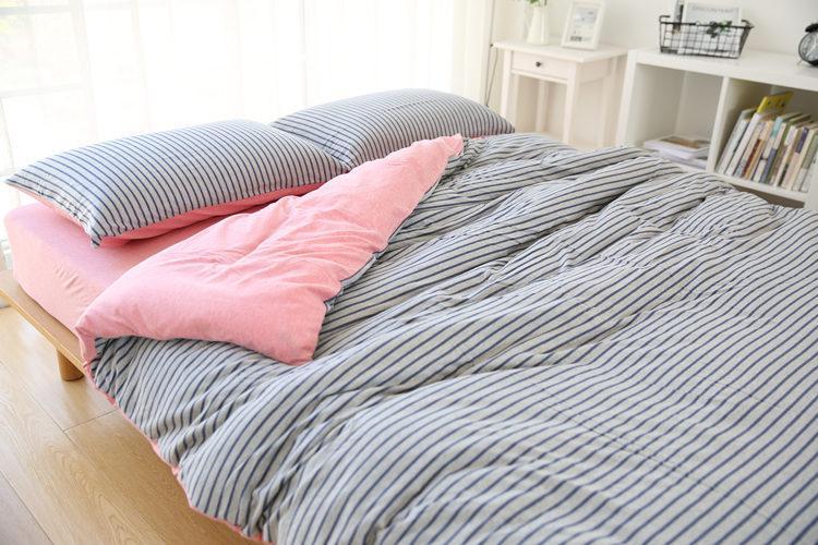 Spannbetttuch und Bettlaken Heimtextilien Bettwäsche Set Kintted Stoffstreifen mit einfarbigen Designs einfache Dekration