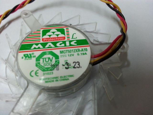 MAGIC MGT5012XR-A10 DC 12V 0.19A connettore 3 poli a 3 poli 60mm Diametro: 44mm Passo: 39mm Ventola rotonda del server