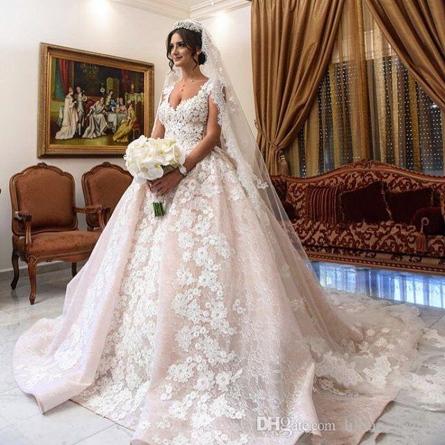 Discount Vintage Lace Appliques Wedding Dresses Arabic Dubai Bridal ...
