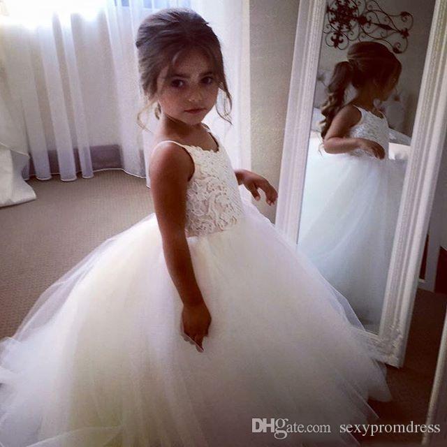 Barato Espaguete Lace E Tule Vestidos Da Menina de Flor Para O Casamento vestido de Baile Branco Princesa Meninas Pageant Vestidos Crianças Comunhão Vestido