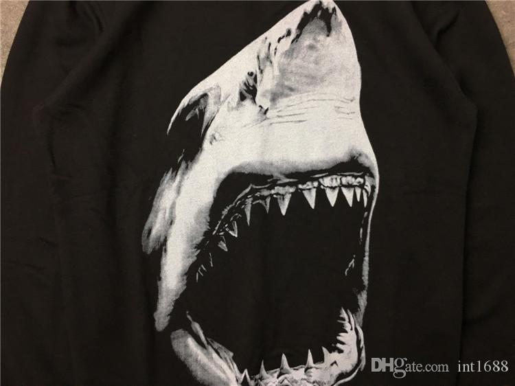 2017 الخريف الشتاء ماركة الرجال هوديس عارضة الرياضية طويلة الأكمام البلوز الرجال القرش الأسنان الطباعة السترة معطف سترة
