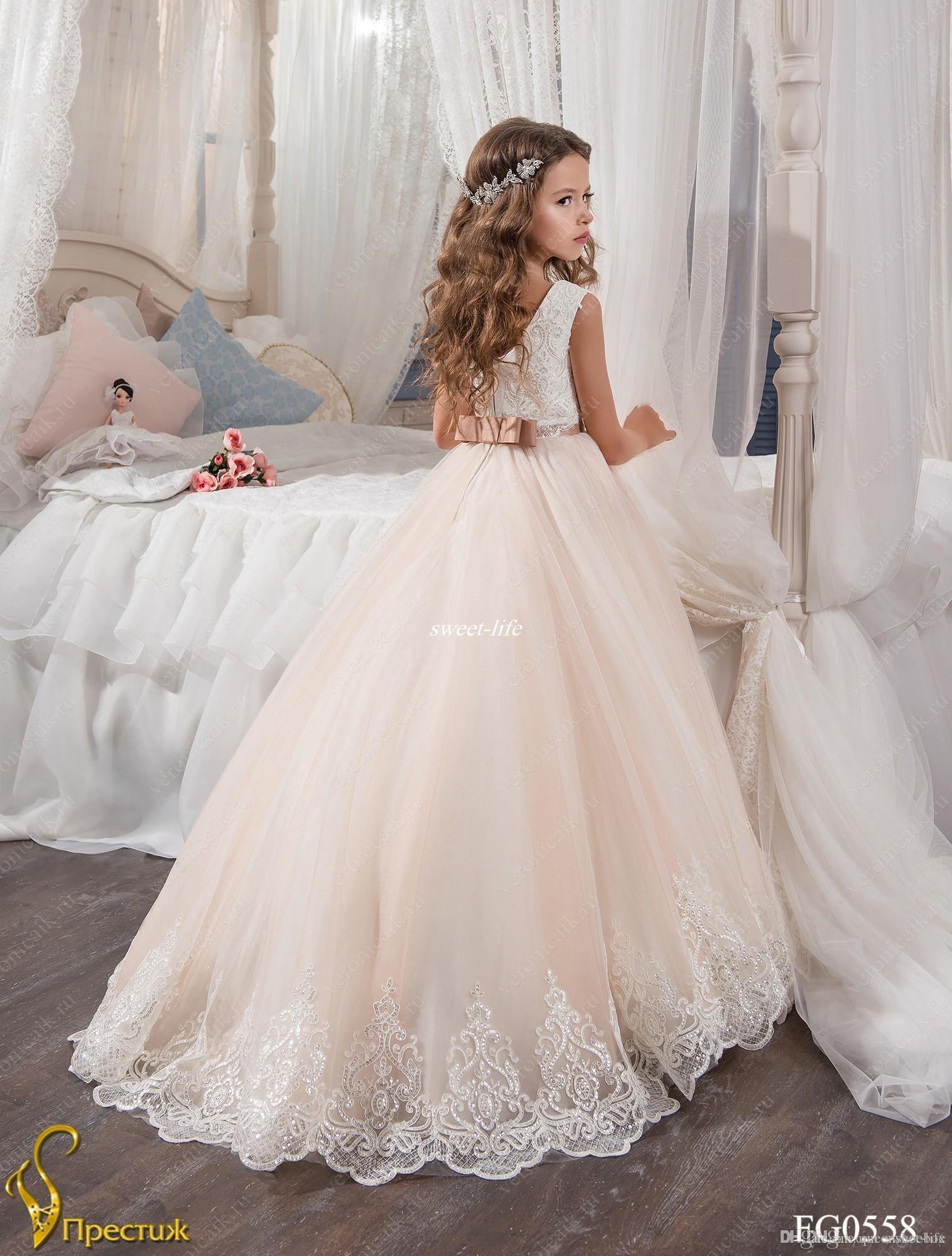 Custom Made Fleur Fille Robes pour la Blush De Mariage Rose Princesse Tutu Paillettes Appliqued Dentelle Bow 2017 Vintage Enfant Première Communion Robe