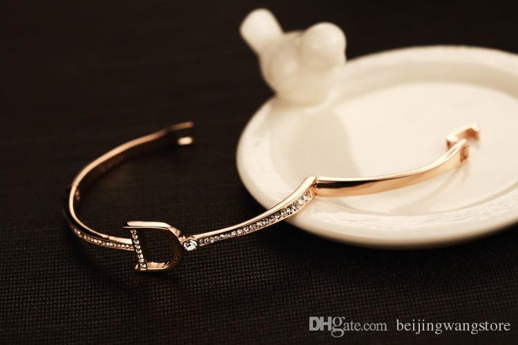 التجزئة نساء الكفة سوار خمر 18 كيلو مطلية بالذهب الزركون إلكتروني سحر سوار أساور للحزب الكورية ماركة المجوهرات