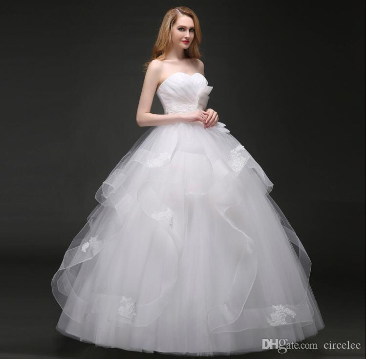 2017 Cheap Strapless Ball Gown Wedding Dresses Plus Size Simple White Gowns Wave Details Lace Tiered Skirts