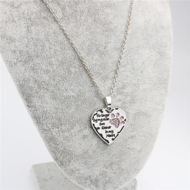 Collar de mujer Pata de perro con corazón Ya no más por mi lado Collares pendientes Aleación de diamantes de imitación Chapado en plata Collar dulce