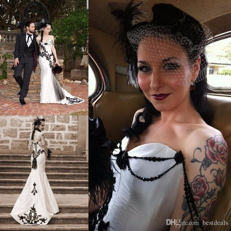 Black White Gothic Corset Wedding Dresses With Beading Embroidery Mermaid Court Train Sweetheart Neckline Fitted Bridal Gowns