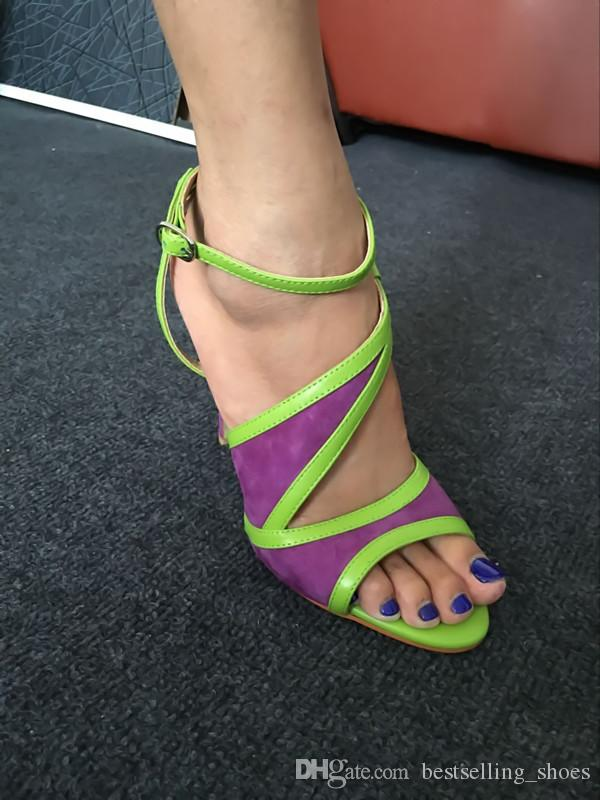 Hebilla de cuero genuino color de las mujeres sandalias 2017 nueva llegada de moda salvaje damas sandalias de tacón alto