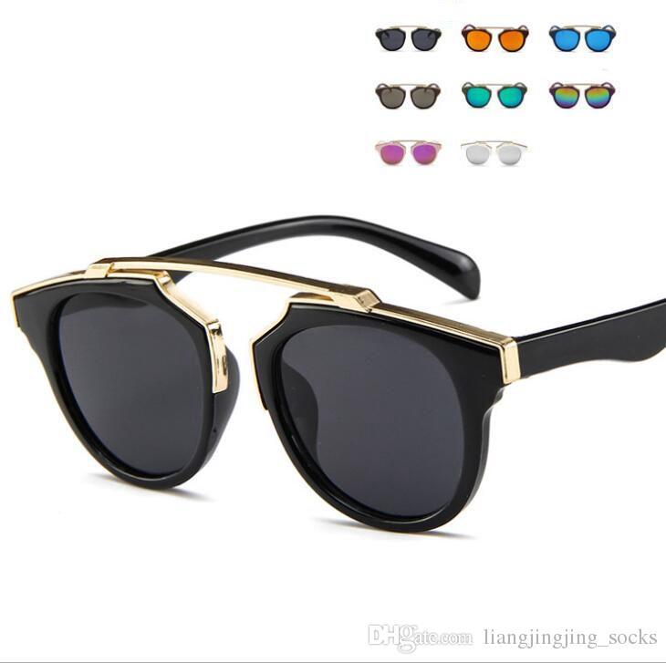 c106da209 Compre Moda Meninos Crianças Óculos De Sol Da Marca De Design Crianças  Óculos De Sol Bebê Bonito Sun Shading Óculos 8 COR KKA3335 De  Liangjingjing_socks, ...