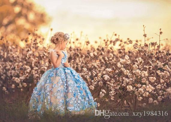 Light Blue Flower Girl Dresses Halter Neck 3D Floral Appliques Beaded Tulle Ball Gowns Pageant Dress Custom Made Girls Fisrt Communion Dress