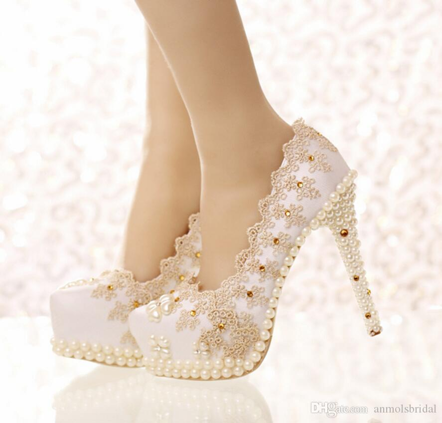 c9f5d3aa7d Compre Zapatos De Cenicienta De Encaje Champagne Perlas Moda Zapatos De  Novia De Dama De Honor 2017 Noche De Baile Club De Noche Partido Tacones  Super ...
