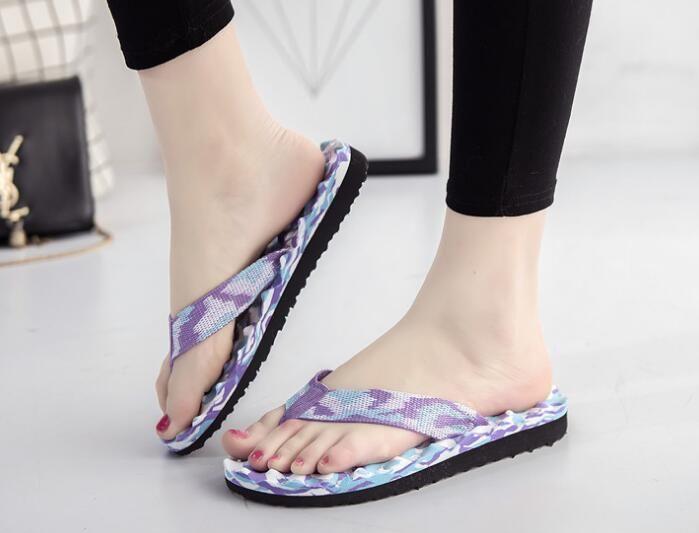 2017 Sell like hot cakes! Women summer New classic camouflage massage spandex flip-flops flat non-slip slippers sandals Lightweight slipper
