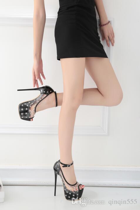 DijiGirls 2017 nuovo arrivo punk rock borchie rivetti sandali cinturino alla caviglia pvc trasparente cristallo ultra ultra tacco alto scarpe fetish