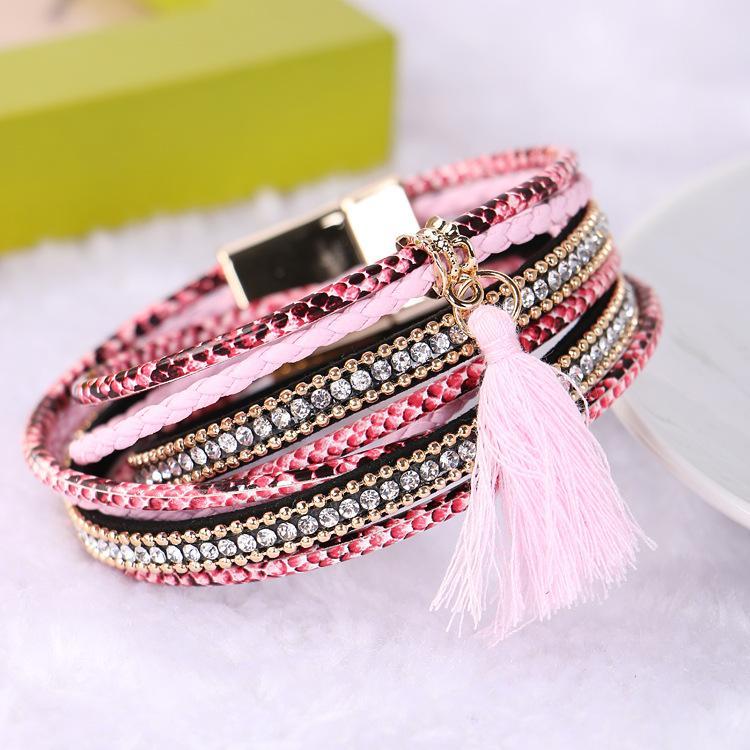 Bracelets de cuir multicouches bohémiens pour les femmes Bracelets de cristal strass pompons Bracelets magnétiques doubles Bracelets tissés à la main