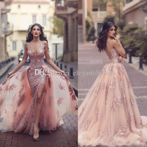 Arabia Saudita Blush Pink Mermaid Abiti da sera 2018 Top Quality Sheer Backless Scollo a V Appliques con mantelle Lunghe Prom Party Split abiti