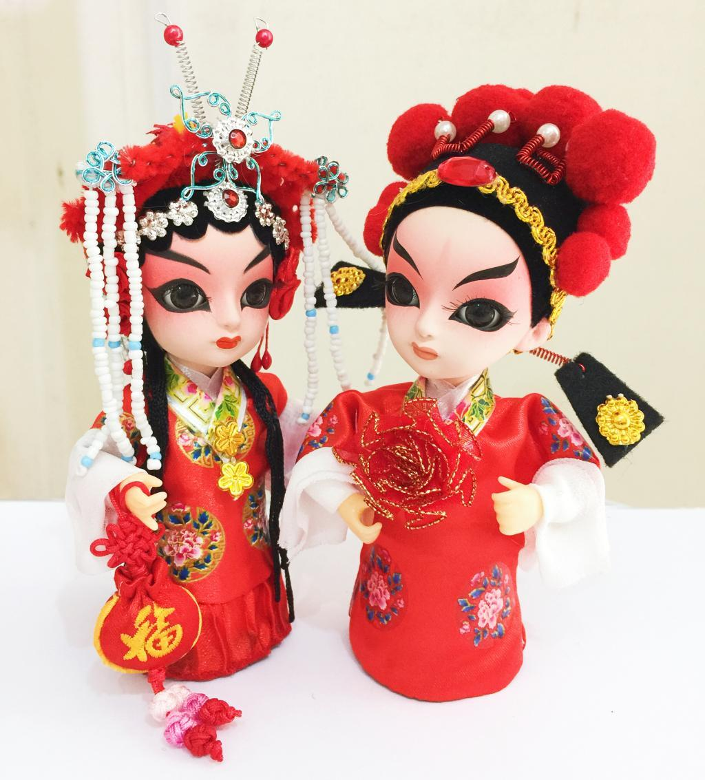 La sposa e lo sposo regalo di nozze decorazione costume bambola di seta Cina caratteristiche artigianato caratteristiche regalo di nozze