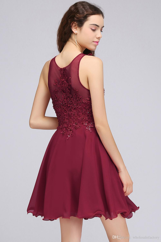 Vin röd spets pärlstav en linje homecoming klänningar kort chiffong cocktail party klänningar för unga tjejer juvel nacke billiga homecoming klänningar cps707