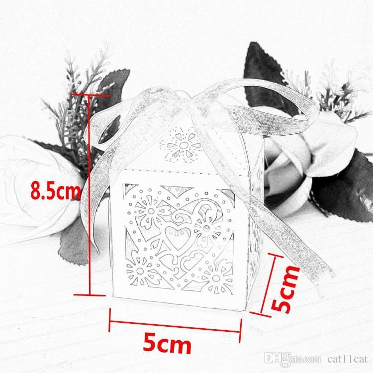 / coeur boîtes de faveur de coupe de bonbons au laser avec ruban pour la décoration de table de fête de mariage en gros