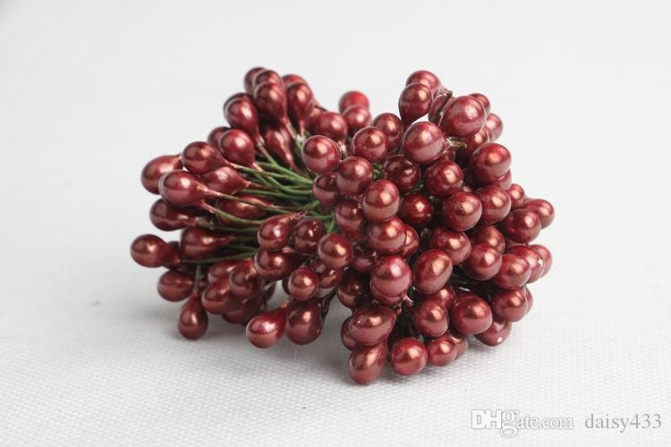 Artificial Christmas Red Berries-Christmas Ornaments for Christmas Wreath Fallen Tree Branches DIY Garland Decor