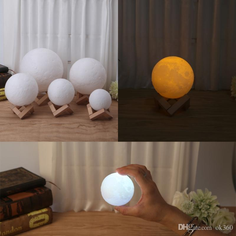 LED 3D Magical Night Moon Light Moonlight Lampe de bureau USB rechargeable Lumière 3D Couleurs Stepless pour la maison Décoration lumières de Noël