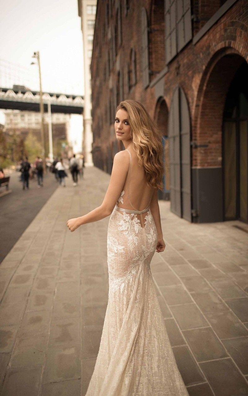 Berta 2018 Plunging Neckline Mermaid Wedding Dress Delicate Sash Appliques Bridal Gowns Sweep Train Backless Wedding Dress