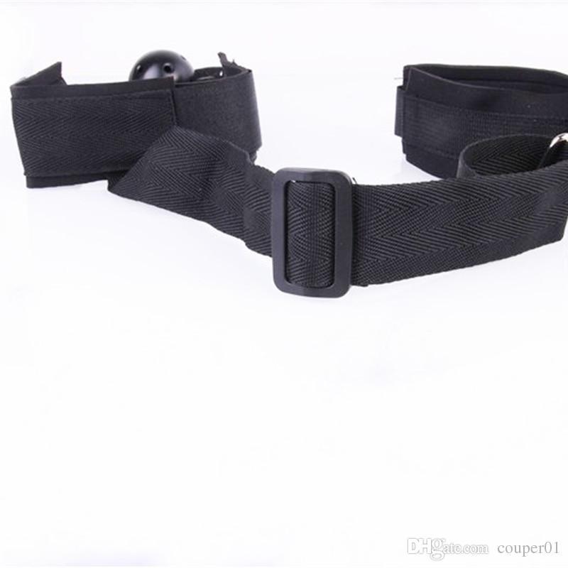 BDSM Bondage offener Mundknebel der Knebel mit Handschellen Sexspielzeug BDSM Mund Plug Sexspielzeug für Paare SM Spiele Schwarz Handfesseln