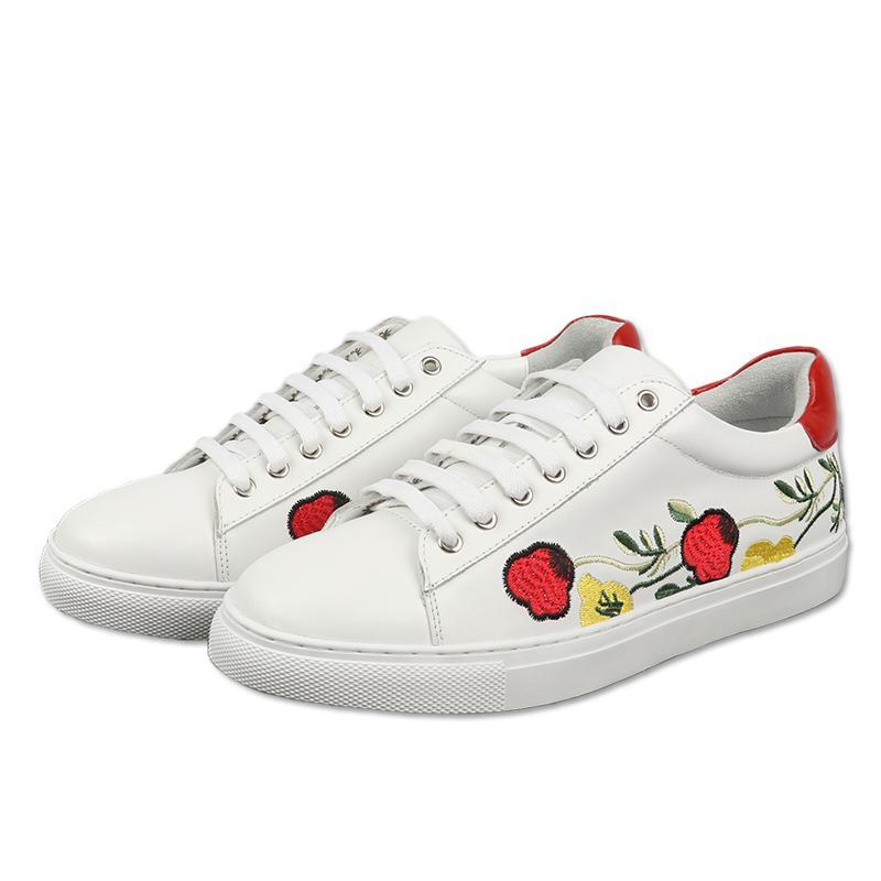0cfe2133c20 Acheter Nouveau Style Broderie Floral Blanc Chaussures Femme Dentelle  Jusqu à Talon Épais Plat Chaussures Décontractées Toutes Les Chaussures  Pour Femme De ...