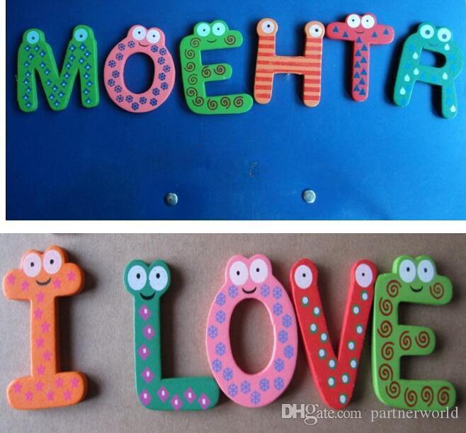 مغناطيس الثلاجة الطفل الملونة 26 رسائل الشكل التعلم خشبية المغناطيسي طفل الأطفال اللعب 26 كلمة دراسة الأبجدية