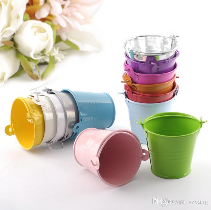 Ślubne cukierki Mini Wiadro ślubne przysługi, mini wiadro, pudełka cukierków faworyzuje pakiet puszek, 10 kolorowych kolorowych beczek