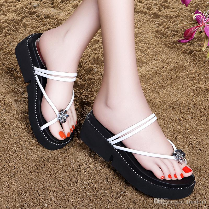2017 New Women PU Leather Rubber Sandals with Rhinestone Flat Heel Open toes Flip Flops Elastic band Summer Shoes Size 35-40