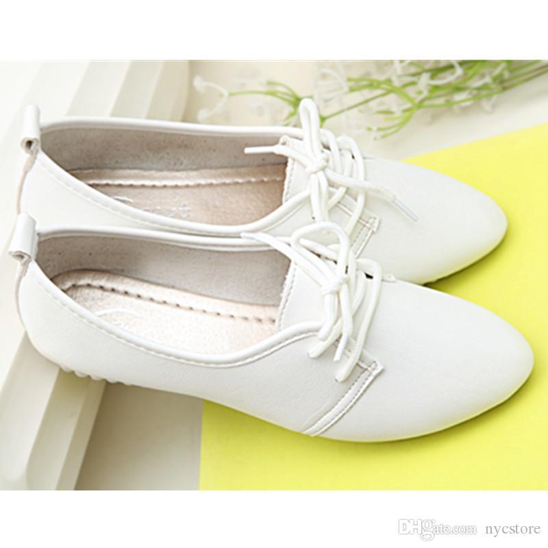 2016 yeni kanye west tarzı beyaz siyah düz ayakkabı kadın lace up deri ayakkabı yüksek kaliteli hemşire ayakkabı ilkbahar sonbahar moda giymek