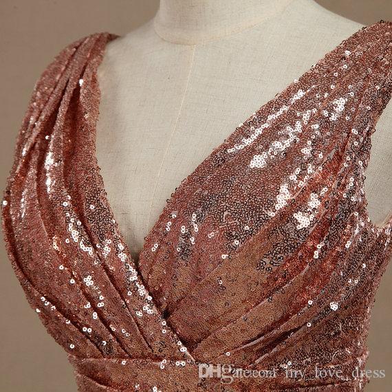 Robe de demoiselle d'honneur à paillettes en or rose Col V à encolure en V avec fronces Robe de soirée en paillettes métallisées à paillettes V back Longueur au genou de luxe