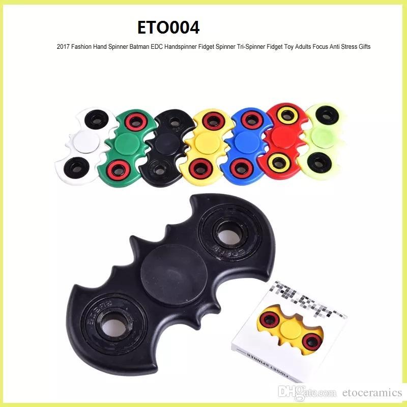 EDC Fidget Spinner giocattolo dito filatore giocattolo Mano tri spinner HandSpinner giocattolo EDC decompressione ansia Giocattoli con scatola al dettaglio