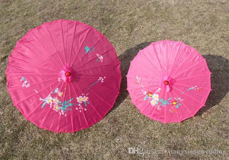 Parasol De Mariage Poignée En Bambou À La Main Chinois Classique Style Classique Parapluie Bumbershoot Décorer 10 couleurs Fait À La Main 33 '' / 22