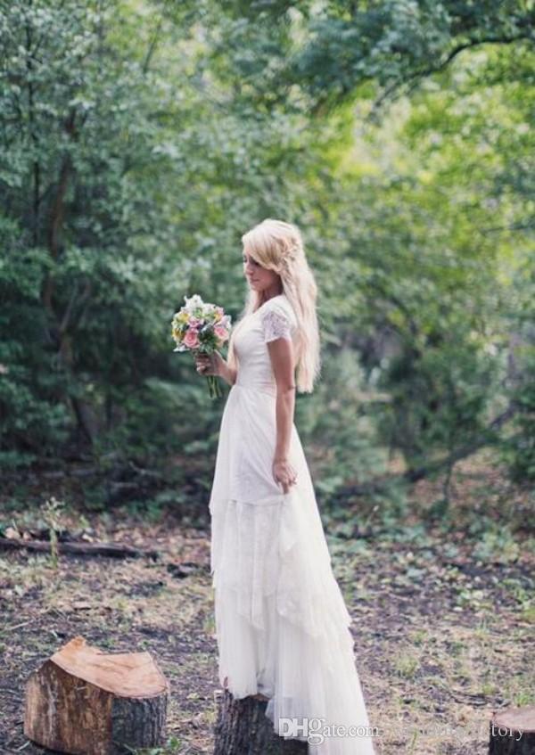 控えめなプラスサイズの国のウェディングドレス安い非対称階層のスカート半袖ボヘミアのブライダルガウン