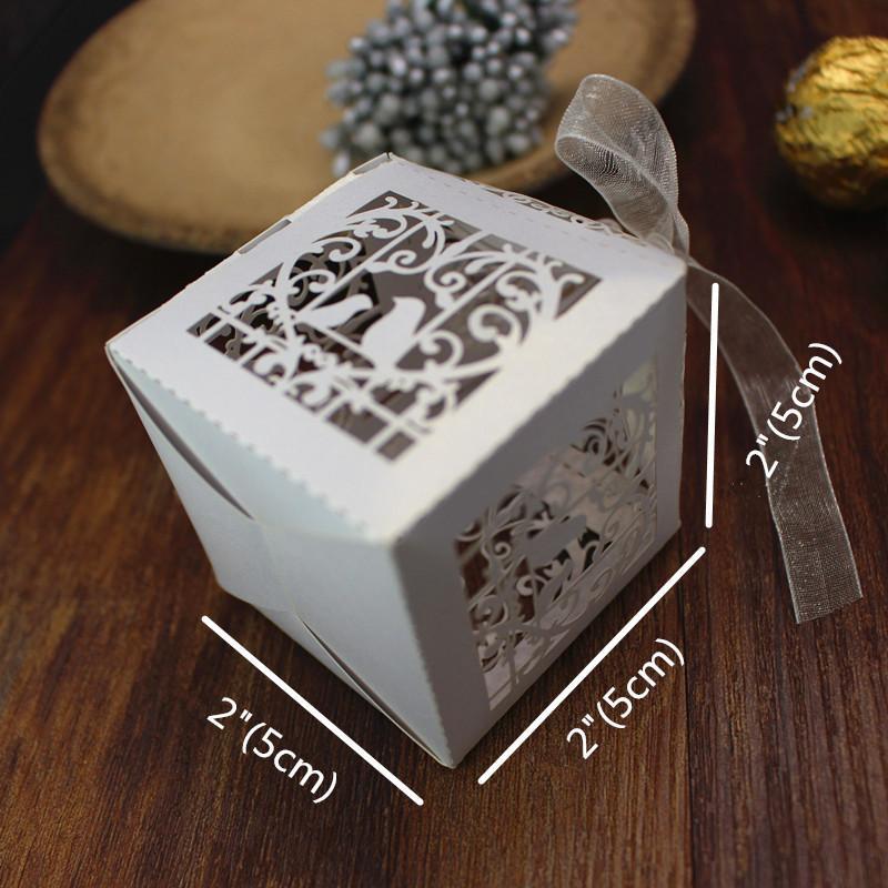DIY-Hochzeits-Bevorzugungskasten-Weißlaser schnitt das Liebesvogelband, das Süßigkeitskästen wedding Bevorzugungsdekoration verziert