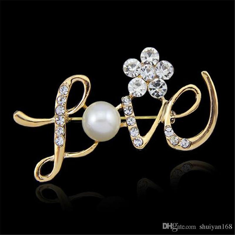 Regalo di Natale AMORE Forma Pins Wedding Spilla in oro rosa perla di cristallo del fiore di damigella d'onore Pin Spilla Dichiarazione Gioielli