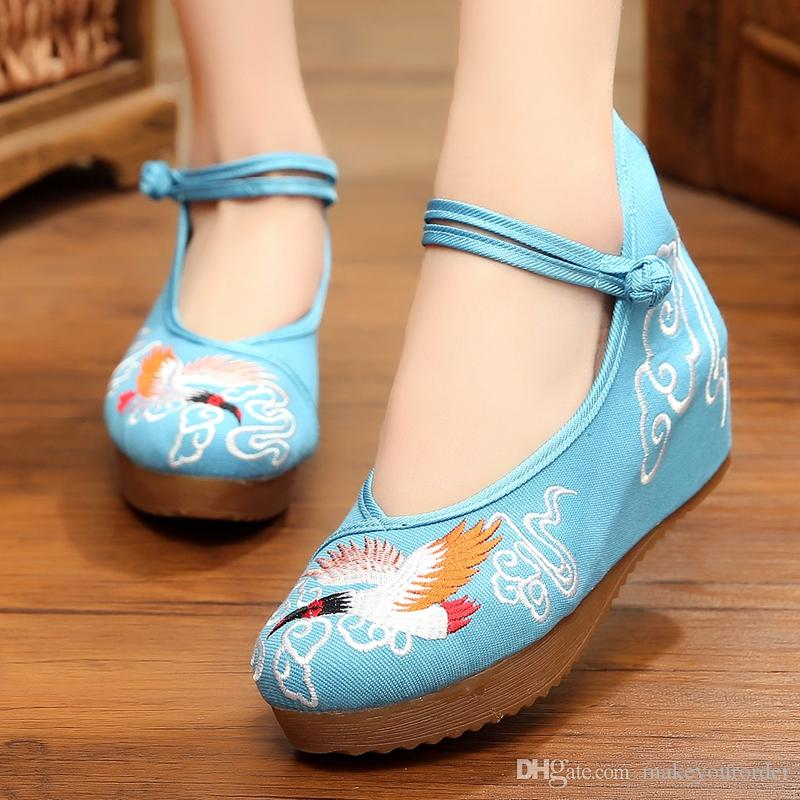 wholesaler factory price hot seller wedge heel china style high heel women round nose dress wedding embroidered shoe 175