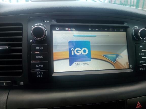 Nouveau lecteur DVD de voiture de livraison gratuite pour Corolla E120 2003 2004 2006 2006 2008 Navigation GPS Navigation Bluetooth Lecteur radio Plaque de support