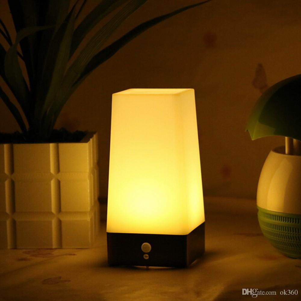 Sem fio PIR LED Sensor abajur Interior Exterior bateria Powered Retro LED Night Light Sensitive Portátil Movendo Warm White para Crianças